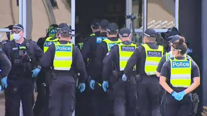 Police Storm Melbourne Gym That Has Been Open During State-Wide Lockdown
