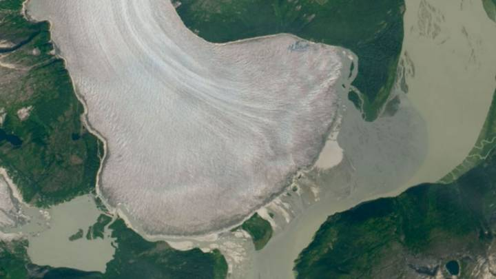 NASA Satellite Images Reveal World's Thickest Mountain Glacier Is Melting