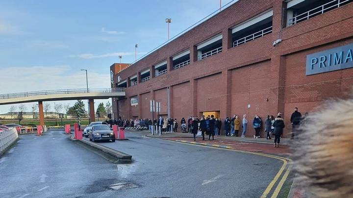 Huge Queues Form Outside Primark As People Rush To Shop Before Lockdown