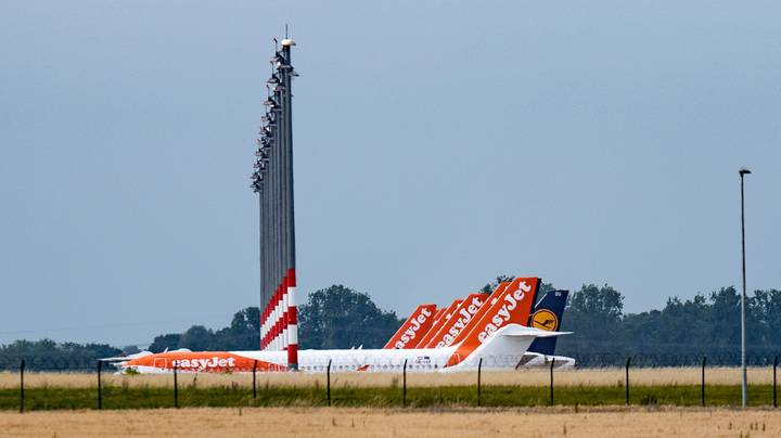EasyJet Closing Hubs In Three UK Airports With 727 Pilots At Risk Of Redundancy
