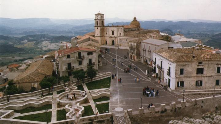 Italian Villages Offering Millennials €28,000 To Move There