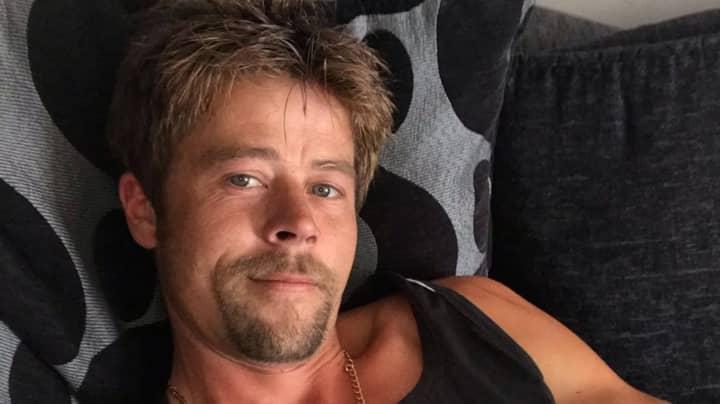 British Dad Who Looks Like Brad Pitt Gets 'Stalked' By Women