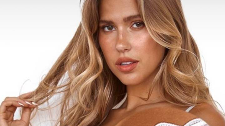 People In Stitches Over Bra Advert That Makes Model Look Like She Has One 'Giant Boob'