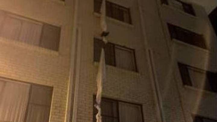 Aussie Bloke Ties Bedsheets Together To Make Daring Escape From Hotel Quarantine