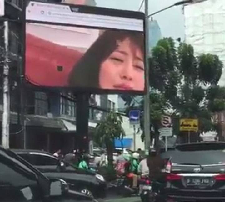Man Streams A Porno On A Giant Billboard During Rush Hour