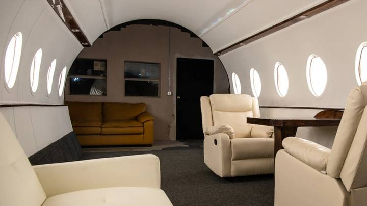 Influencers Are Renting Out A Studio That Looks Like A Private Jet