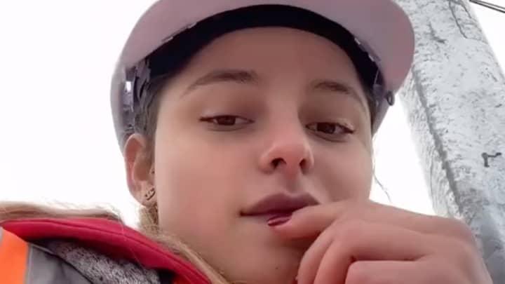 Aussie 'Lollipop Lady' Reveals She Earns $3,000 A Week