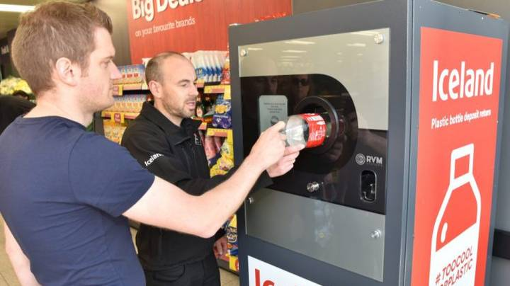 Iceland Introduces Reverse Vending Machines That Pay You To Recycle
