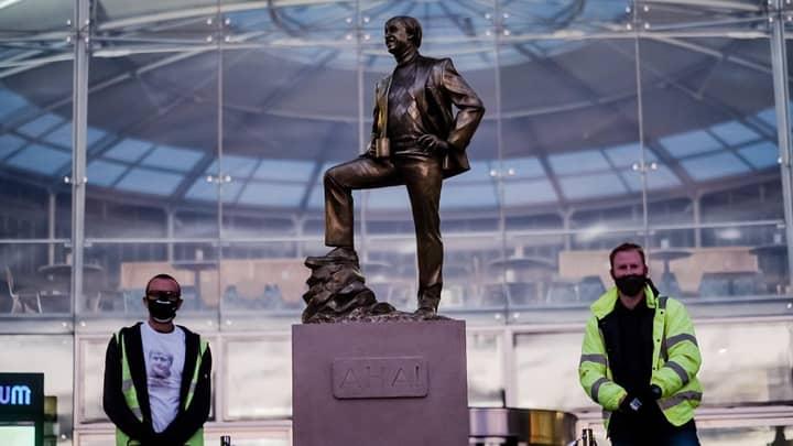 Alan Partridge Statue Put Up In Norwich City Centre