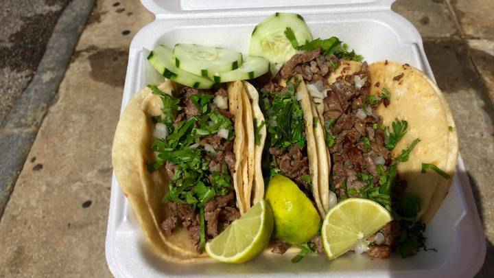 Woman Completes A 10k Route Stopping To Eat Tacos As She Goes