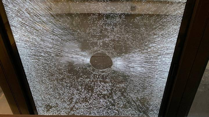 Teen Smashes Golf Ball Through Parents' Patio Window After Net Fails To Stop It
