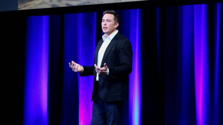 Elon Musk Delivers Message To Boeing CEO After He Claimed They'd Be First To Mars
