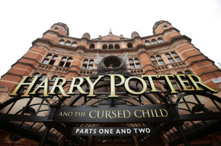 The Original Cast Of Harry Potter Could Be Returning For 'The Cursed Child' Trilogy