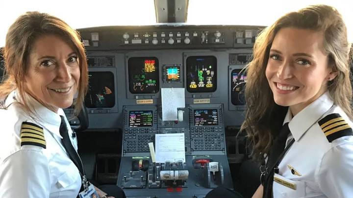 US Pairing Become First Mother-Daughter Duo To Pilot Commercial Plane Together
