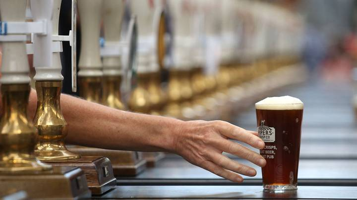 Airports Could Ban Booze Before 10am Due To Abuse And Disruptions