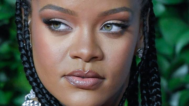 Bouncer Refuses To Let Rihanna Into A Bar Because She Has No ID