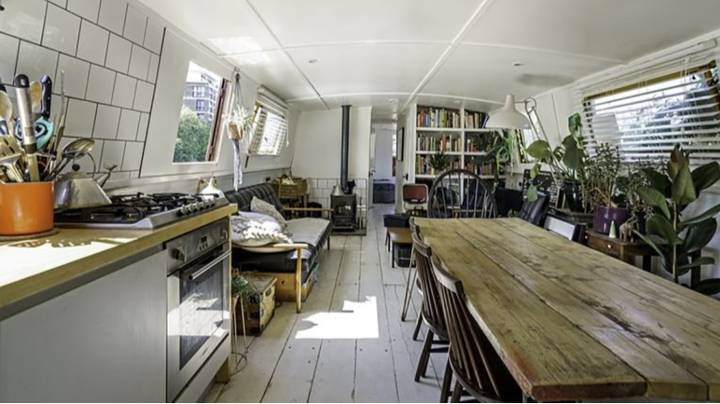 Amazing Eco-Friendly Houseboat In London On Sale For Just £150,000