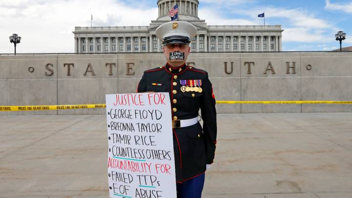 US War Veteran Stages One-Man Protest Outside Utah State Capitol