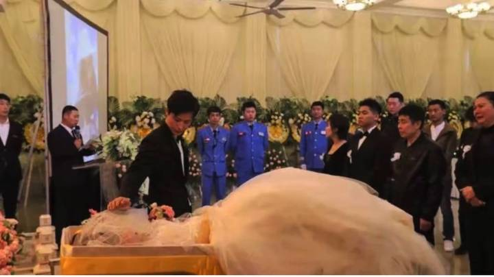Man Marries Corpse Of Fiancée To Fulfil Her Dying Wish
