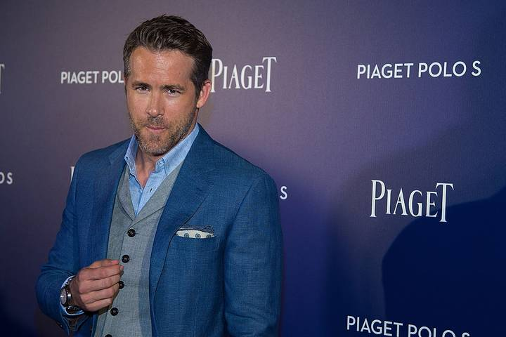 Ryan Reynolds Deals With Horny Fans On Twitter In Typically Reynolds Fashion