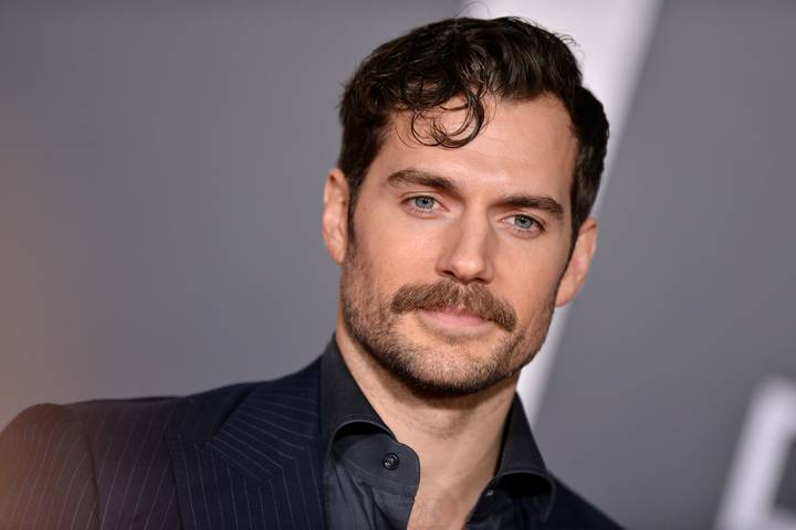 Henry Cavill Has Just Been Turned Into A Meme And It's Amazing
