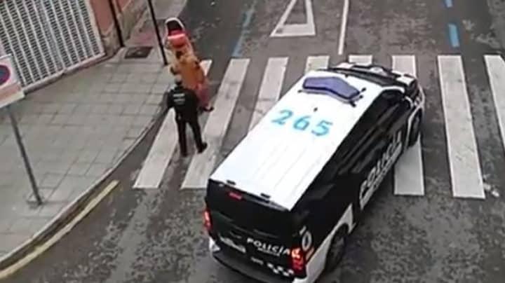 Spanish Police Tell Off Man Dressed As A Dinosaur During Coronavirus Quarantine