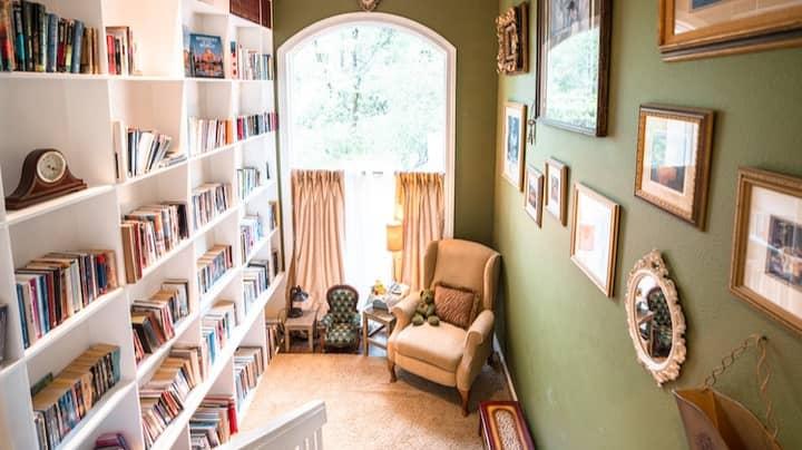 Travel Blogger Shares Suite With Secret Room Hidden Behind Bookcase