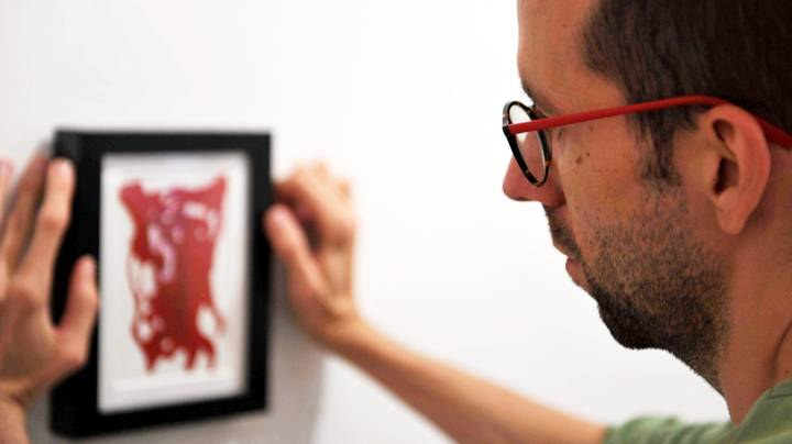 Artist Creates Prints From Vaginas Using Models Found On Tinder