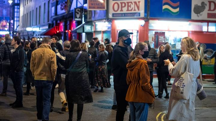 Tubes And Streets Packed As Pub-Goers Leave In Force Under 10PM Curfew