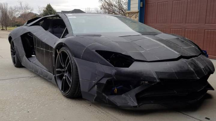 Father And Son Are Building Lamborghini Aventador From 3D Printers