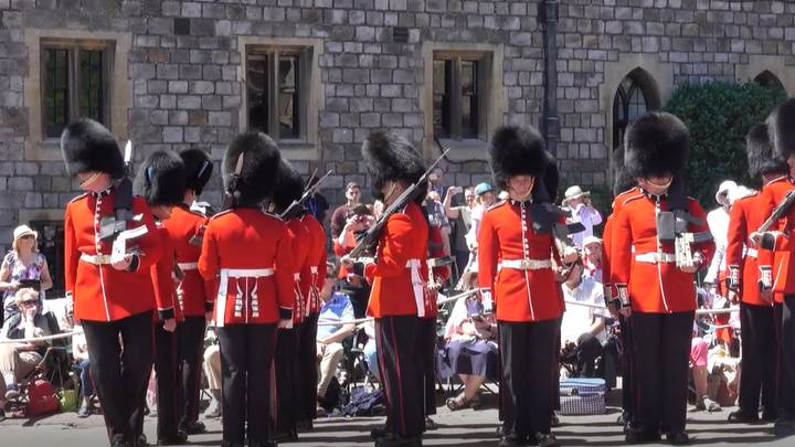 Guards At Windsor Castle Get Themselves A Bit Mixed Up
