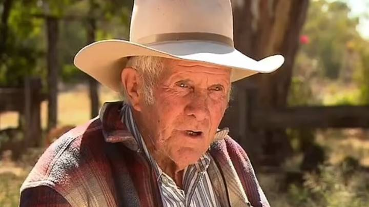 Aussie Bushman, 75, Shocked After Getting $100 Fine For Carrying Pocketknife