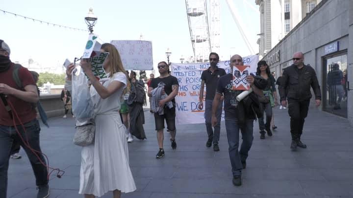 Police Arrest Anti-Lockdown Protestors In Central London