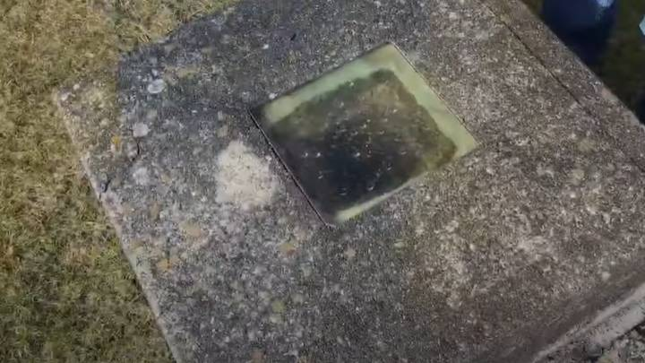 Man So Scared Of Being Buried Alive He Had A Window Fitted Into Grave
