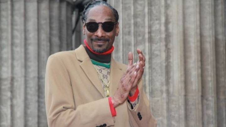 Snoop Dogg Compares Kanye West's New Yeezy Slides To 'Jail Slippers'