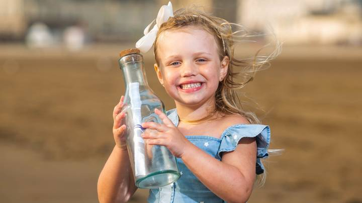 Four-Year-Old Girl's Spanish Message In A Bottle Turns Up In Russia