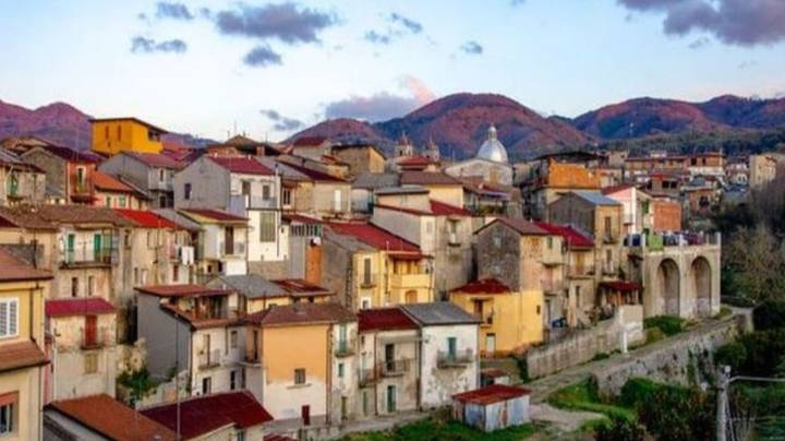'Covid-Free' Village In Italy Is Selling Homes For €1