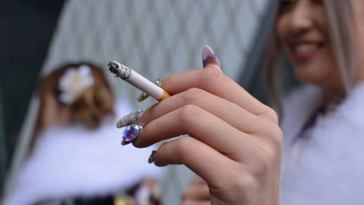 Japanese Company Gives Its Non-Smoking Staff Six Extra Days Off