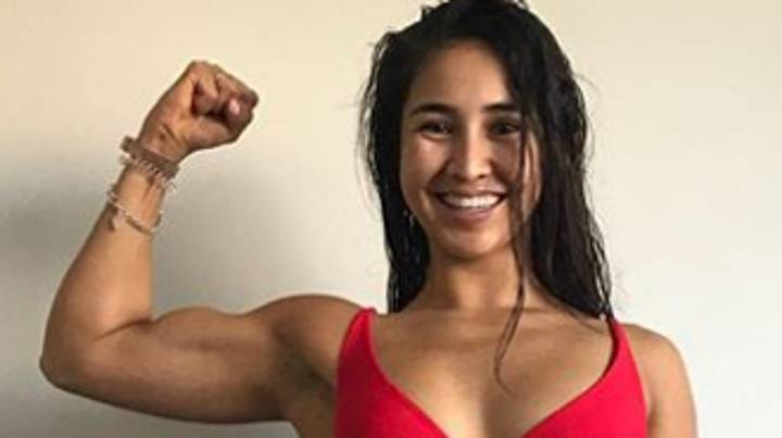 Fitness Coach Shares Two Photos Taken Seconds Apart To Warn Against Misleading Body Image Photos