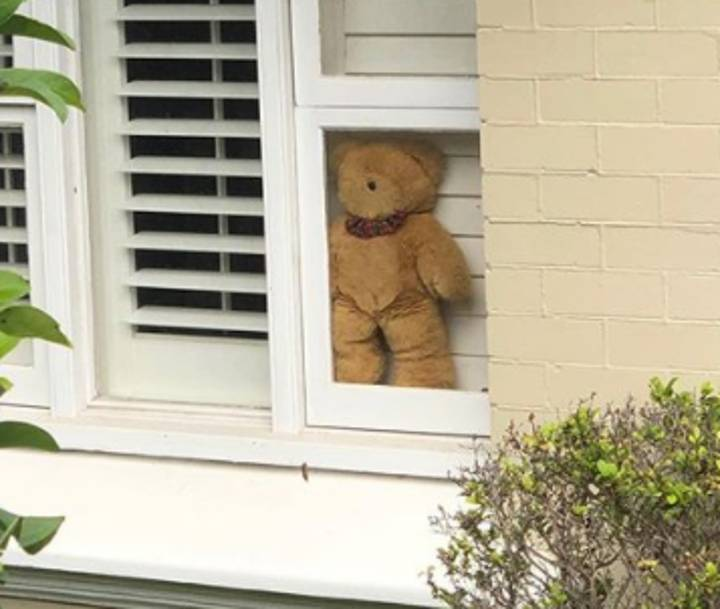 Aussie Parents Encouraged To Put Teddy Bears In Their Windows Amid Coronavirus Pandemic