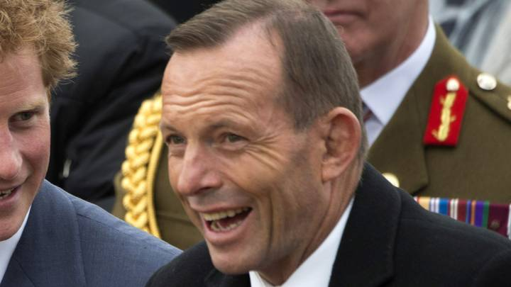Tony Abbott Thinks It's 'UnAustralian' That Someone Dobbed On Him For Not Wearing A Face Mask
