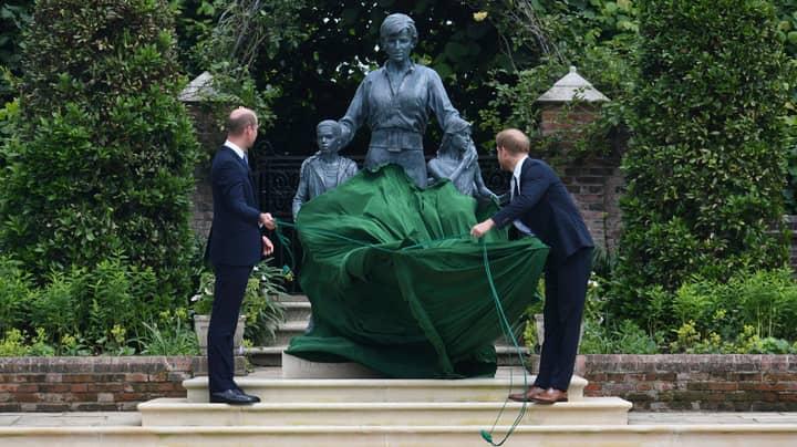 Royal Experts Say Princess Diana Statue 'Looks Like Sean Bean'