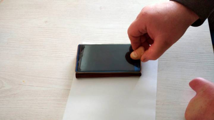 Man Claims He Can Unlock Smartphone With His Severed Thumb