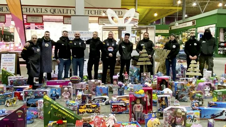 Real-Life Santa Spends £3,400 In Toy Shop And Donates Haul To Kids In Need