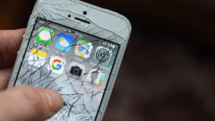 Scientists Devise New Way To Repair Phone Screen Cracks In 20 Minutes Using Linseed Oil
