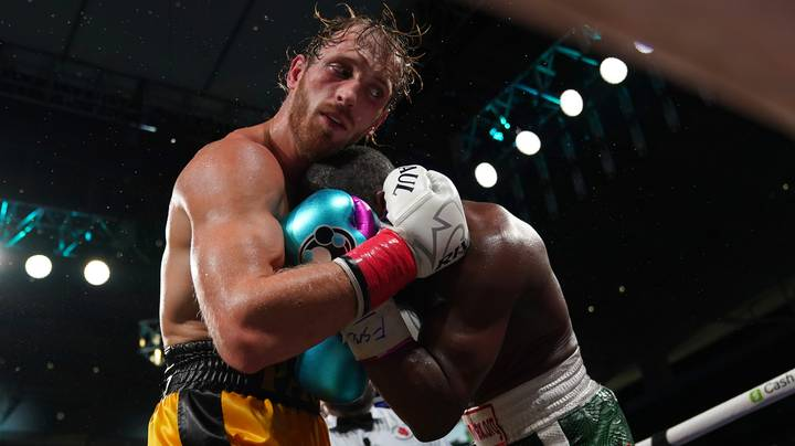 People Mock Logan Paul For Constantly Hugging Floyd Mayweather Jr. During Fight