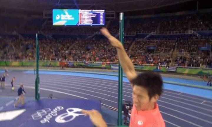 Athlete Suffers Unfortunate Dick Accident During Olympic Pole Vault At Rio 2016