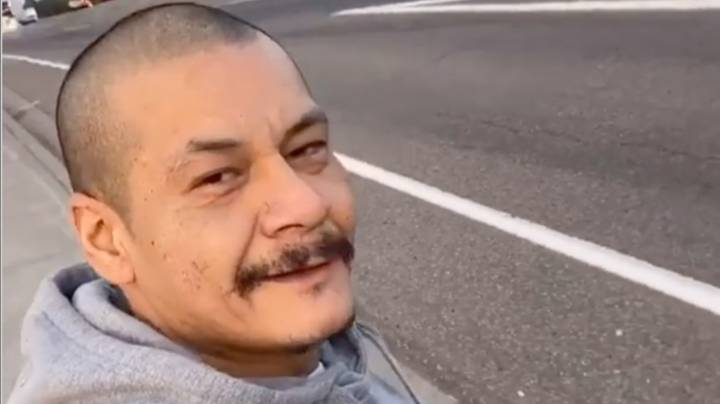 Viral Fleetwood Mac Skateboarder Given $10,000 By Strangers On The Internet