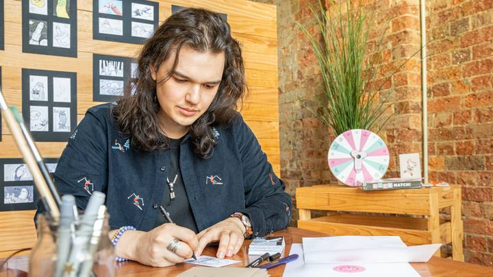 Aussie Creates Thriving Business Around Sending Dick Drawings To People