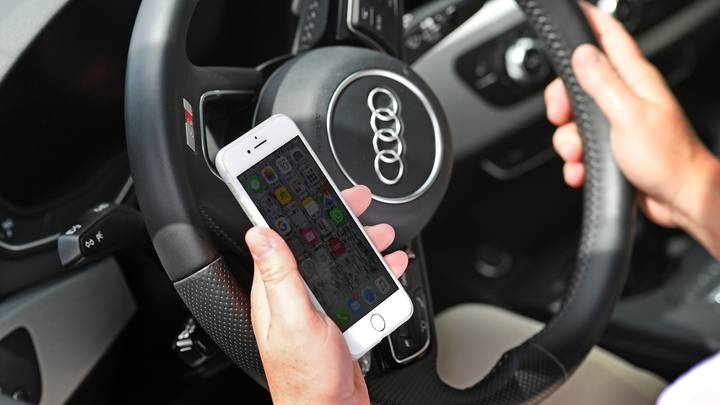 Drivers To Be Banned From Touching Their Mobile Phones